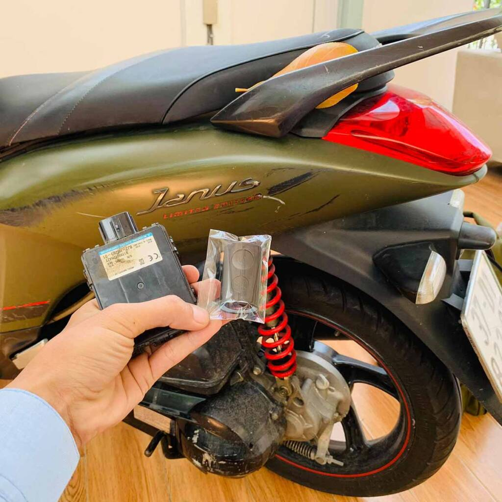 Làm chìa khóa thông minh smartkey xe Honda Yamaha uy tín có giấy tờ rõ ràng