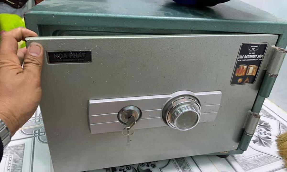 Sửa khóa két sắt tại nhà uy tín, làm chìa khóa két sắt, dò mã số két sắt