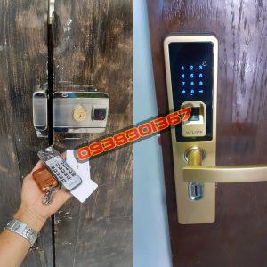 Lắp khóa vân tay, thẻ quẹt từ, mã số, cho cửa cổng, cửa sắt