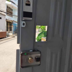 Lắp khóa từ, khóa vân tay, điện tử cho cổng, cửa