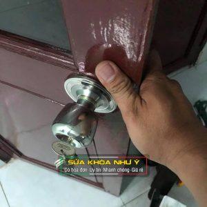 Sửa khóa cửa tay nắm tròn