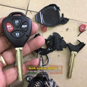 Thay vỏ chìa khóa xe ô tô tận nơi bao lắp đặt giá rẻ 150k – 300k bảo hành 2 năm
