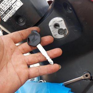 Làm chìa khóa xe máy Honda tại nhà giá rẻ