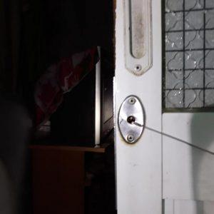 Mở khóa cửa lùa tại nhà đên ngay 10 phút