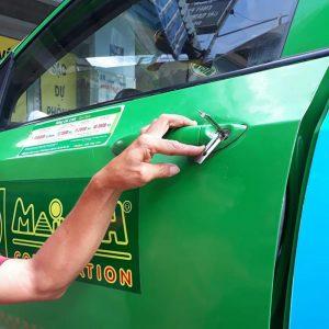 Mở khóa xe ô tô taxi xe tải giá rẻ tận nơi 24/24