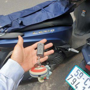 Làm lại chìa khóa thông minh Yamaha Lexi mất ID hãng bó tay báo thay