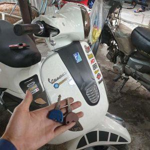 Thợ làm chìa khóa xe Vespa Copy sao chép sửa chìa khóa xe Vespa mất chip từ