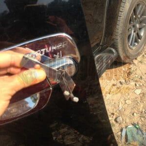 Mở khóa xe Fortuner bằng cây mở chuyên dụng an toàn không hư ổ Giá lại siêu rẻ