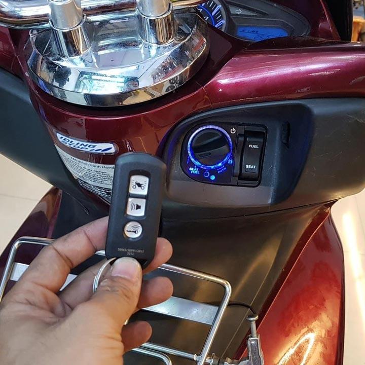 Làm chìa khoá smartkey xe PCX mất ID thay ổ khóa thông minh PCX chính hãng tại nhà