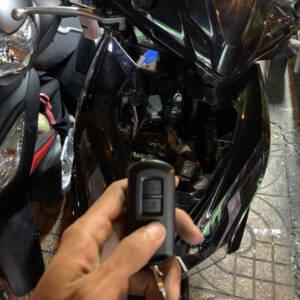 Làm chìa khóa thông minh Thay bình sạc bình ắc quy xe máy tại nhà