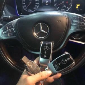 Làm chìa khóa thông minh xe Mercedes mẫu mới đẹp sang trọng